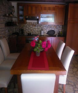 Quiet, Istra stone house, 14 km from Porec - Bratovići
