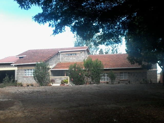 Furnished house  Four bedroom mansionate In Ngong - Nairobi - Domek parterowy