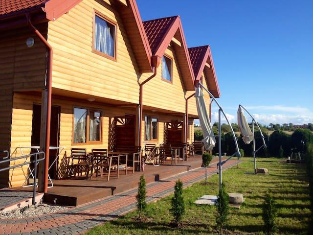 6 Domkow drewnianych nad Bałtykiem bursztynowedomk - koszaliński - Casa adossada