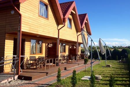 6 Domkow drewnianych nad Bałtykiem bursztynowedomk - koszaliński