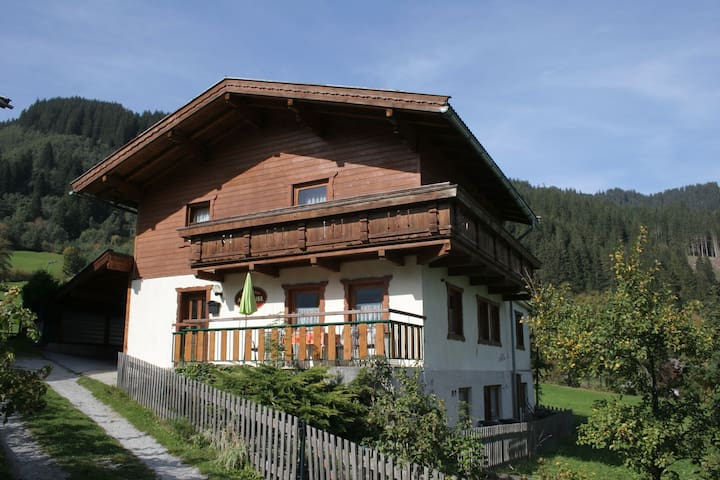 Idylic Holiday Home in Krimml with Balcony