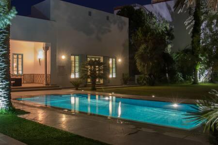 Dar Sevim bungalow près de la plage, avec piscine