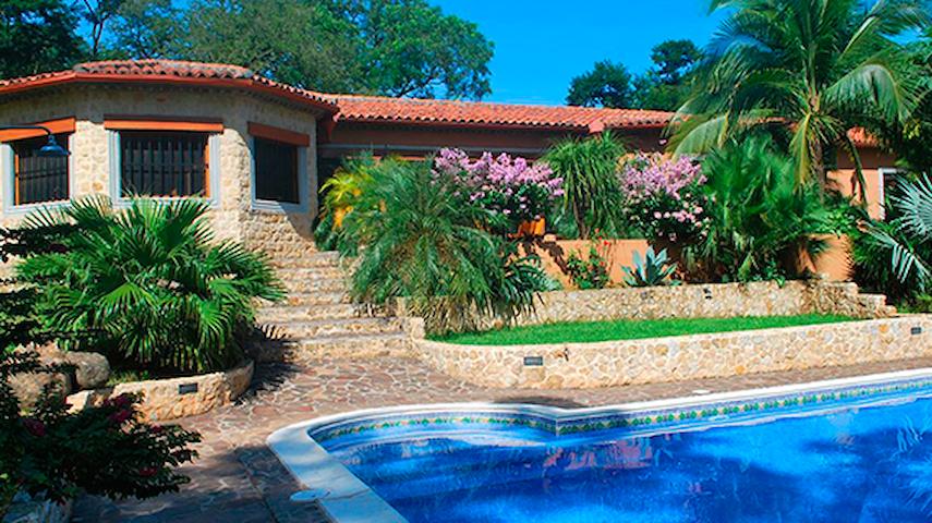 Casa la Colonial -luxury private estate Tamarindo - Tamarindo - Casa