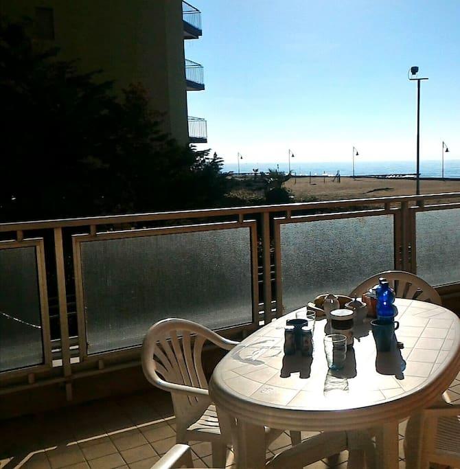 vista mare, ampio balcone per pranzare . ottima esposizione