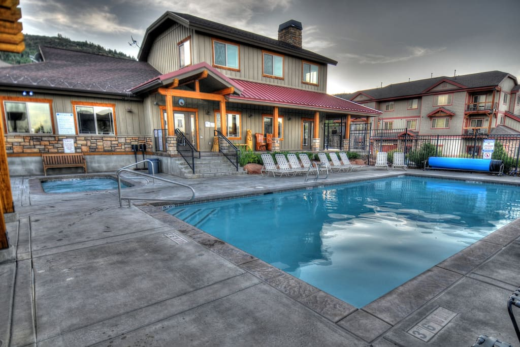 Clubhouse Pool (Summer Only)