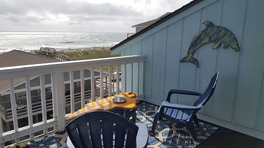 1 Bedroom / 1 Bath - Ocean view and Lake View! - Carolina Beach - Byt