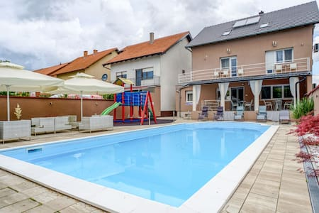 Spacious Holiday Home in Vukovar with Swimming Pool