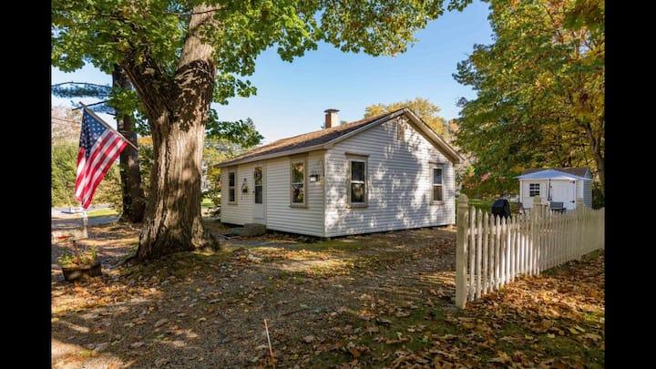 'The Snug' Cottage in York Beach, Maine