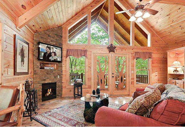 Romantic Escape in Mountain Escape Cabin