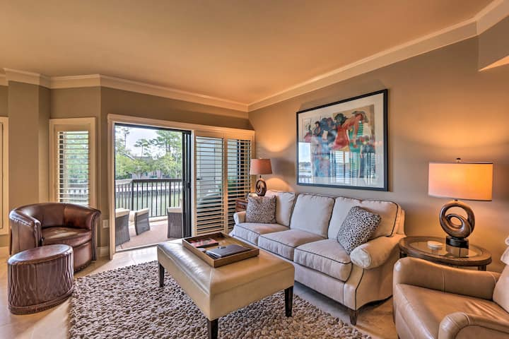Elegant Condo w/ River View & Private Beach Access