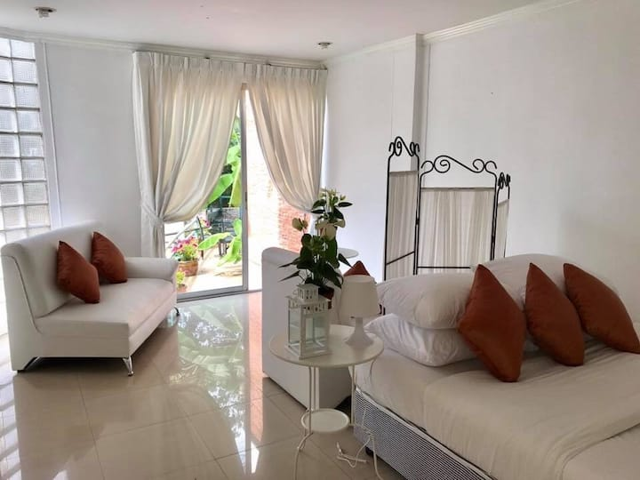 Big family room for 6 near Central Pinklao Mall