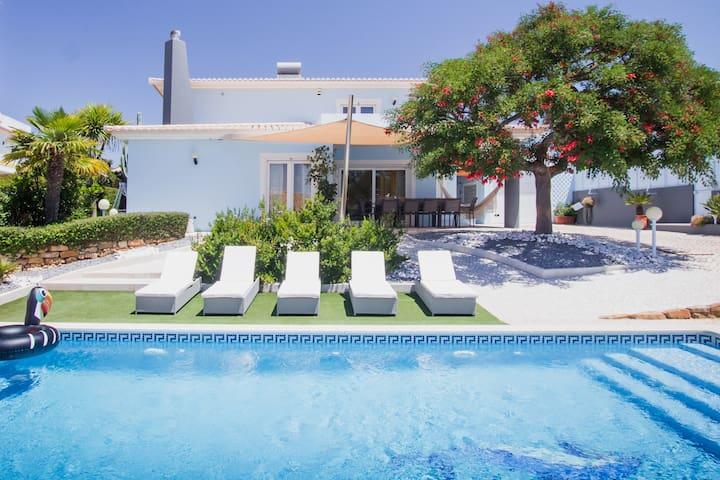 UltraSpacious Villa,pvt swimming-pool,near center