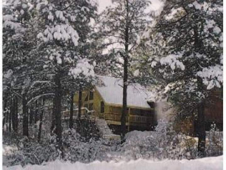 Spacious  mountain home in the pines,VIEWS privacy