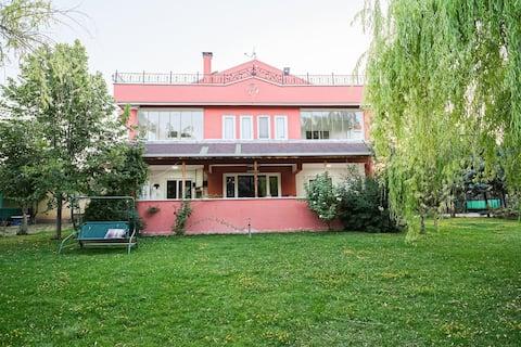 Villa  oculta Triplex. acogedora casa con calentador
