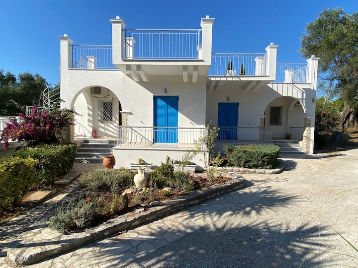 Jalna Apartments Kassiopi with Pool and Views