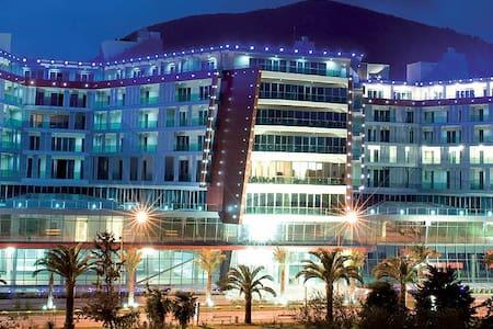 Apartment in TQ PLAZA Shopping center - บุดวา