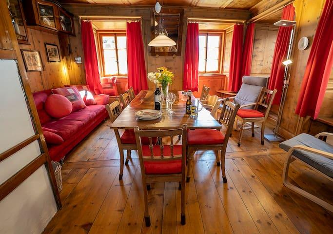 Ferienwohnungen Chasa Werro, (Sent), Apartment for 4-9 people