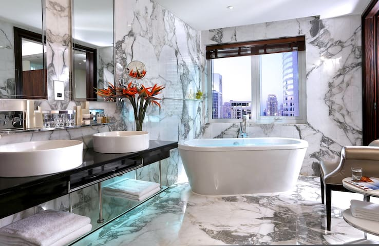 Luxury Suite with THE most amazing bathtub