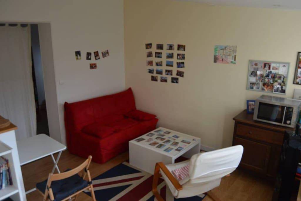petite maison studio 30 m2 meubl e bungalows louer rouen haute normandie france. Black Bedroom Furniture Sets. Home Design Ideas