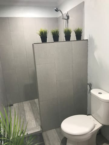 Shared Bathroom - Hot Shower
