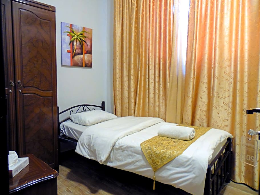 Room single bed