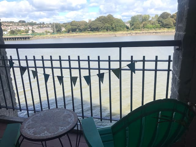 Riverside city centre apartment in Waterford City