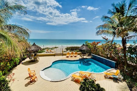 Sugar Sands Beachfront Hideaway Cozy 1 Bedroom Villa On The Beach with Brand New Pool 2419 - Madeira Beach