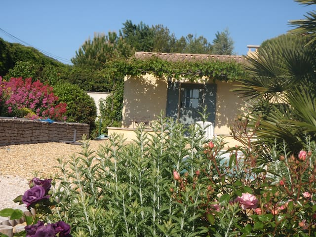 Chez Claudie bed&breakfeast Luberon - Maubec - Casa de campo