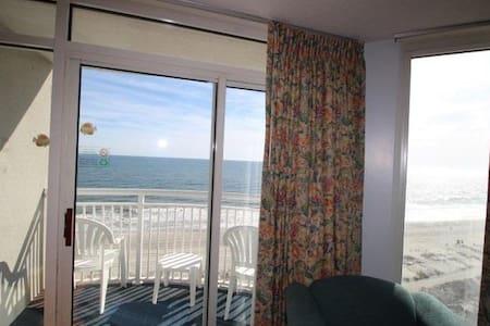 Atlantica 1BR 8th floor direct ocean front ! - 머틀 비치(Myrtle Beach) - 아파트