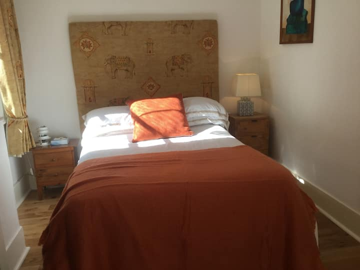 Stunning double bedroom in Central London