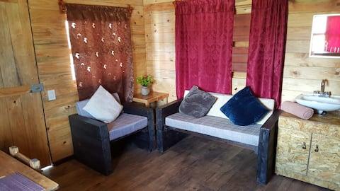 Cabaña artesanal, agradable cómoda y económica.