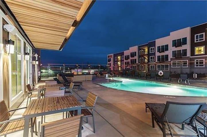 西雅图公寓房整套短租可容纳五人。可做饭洗衣