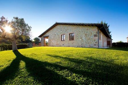 2 bedroom farmhouse in Scansano - Montorgiali - Apartment