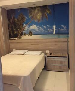 Ótima localização 1 quadra da praia - Santos - Apartment