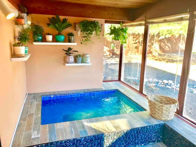 ✨Remodeled + Peaceful Retreat — HOT TUB + Views! ✨