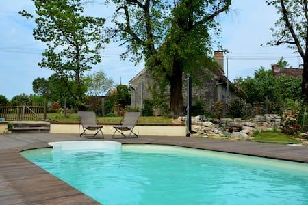 Maison en pierres avec piscine pour 8/10 p - Montvalent - Dom