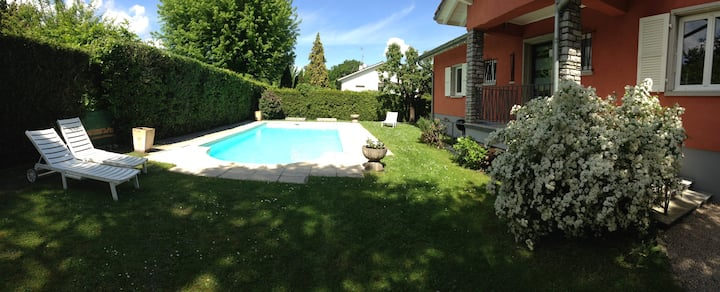 Beautiful Villa (private pool) nearby Geneva Lake