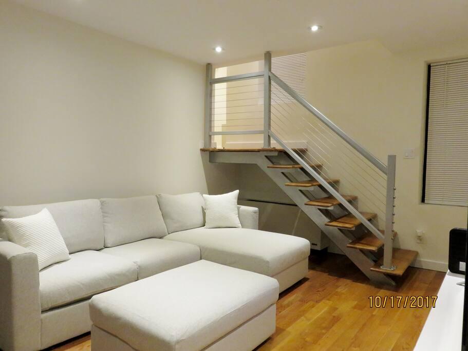 Living Room - Pic 2