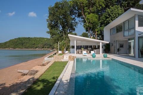 Villa de luxe 3BR neuve BEACH FRONT