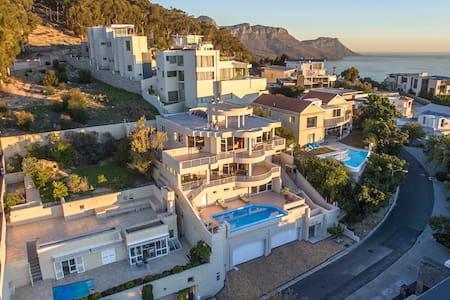Villa Kali - 67 Arcadia Rd, Bantry Bay - Cape Town