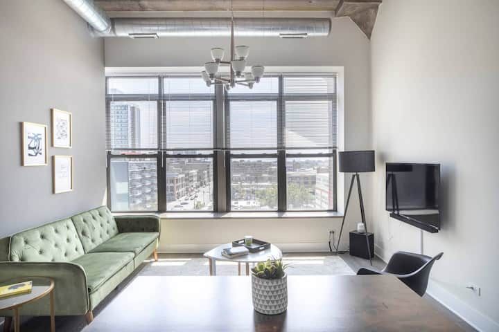 Entire 2Bd/2Ba in Downtown on Michigan+opt parking