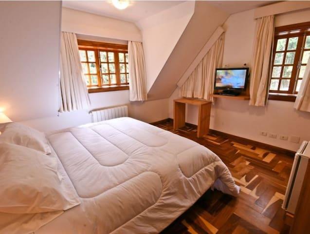 Luxo com Hidromassagem Apartamento (2).jpg