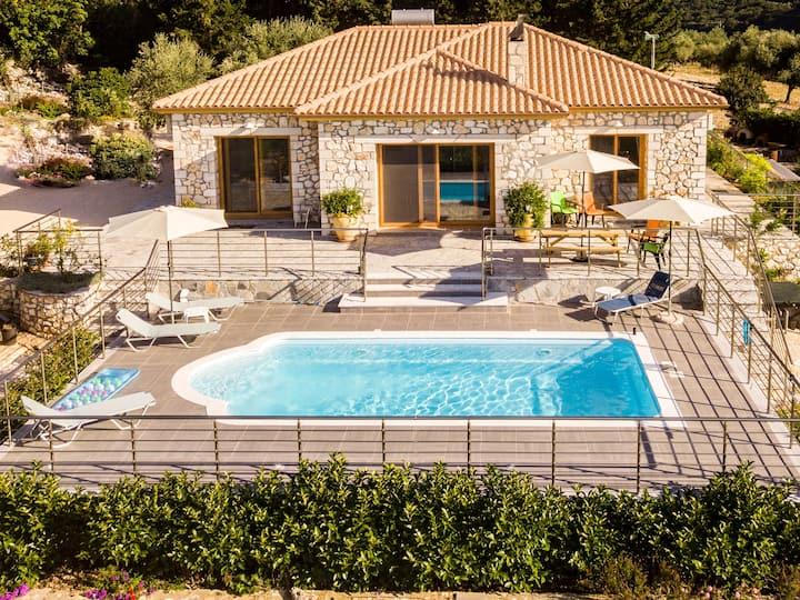 Sunset Villa, Sami,beautiful views, tranquil space