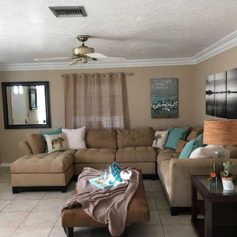 Perfect Vacation Get Away, Completely Renovated