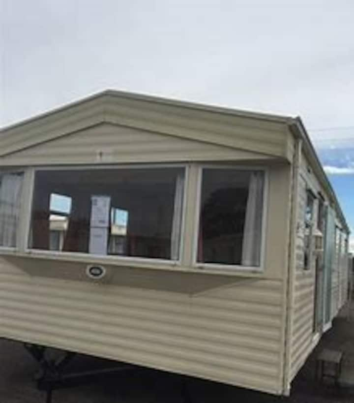Felixstowe beach holiday park caravan/mobile home