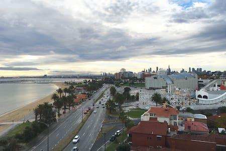 St Kilda, beach apartment city view - Saint Kilda - Appartamento