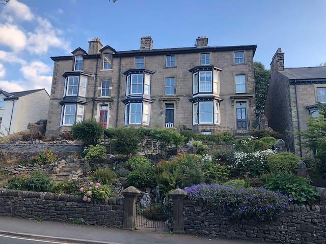The Hartington Apartment