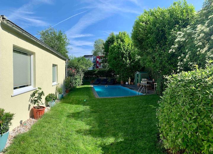 Ferienwohnung mit Terrasse und eigenem Eingang