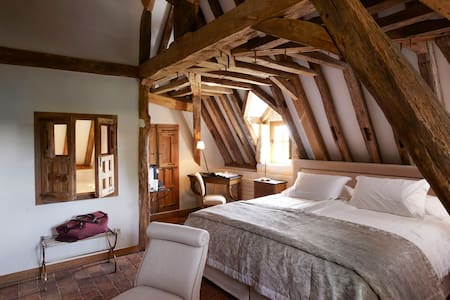 Junior Suite Aubépine - Leugny - Bed & Breakfast