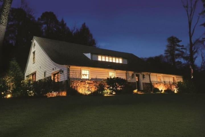 The Barn at Lake Rabun, 1st Floor & Common Area
